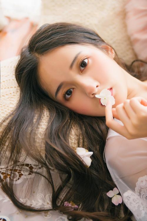 """斗罗年夜陆:圣女胡列娜有多好?当看浑她身体,""""露腿丝袜""""好新颖"""
